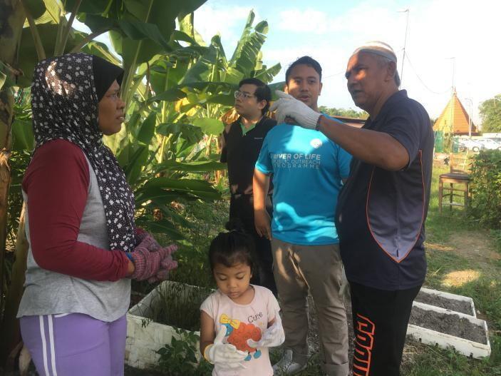 Starbucks Green Outreach Programme with Rumah Panjang Ikan Emas Residents