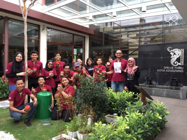 Starbucks Malaysia Global Month of Service (GMoS) 2018 – Composting Workshop with Starbucks Staff