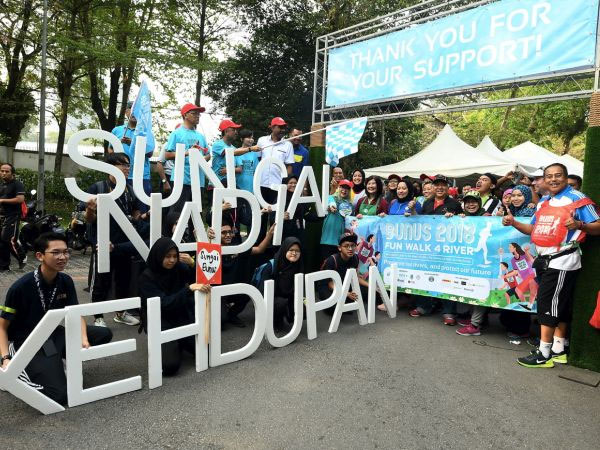 500 join walk for clean rivers