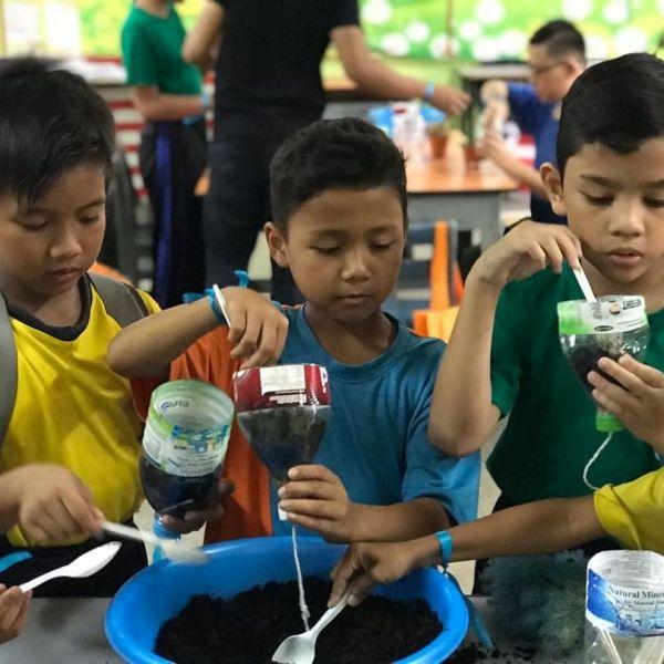 Upcycling Workshops for Children in SK Segambut Makmur