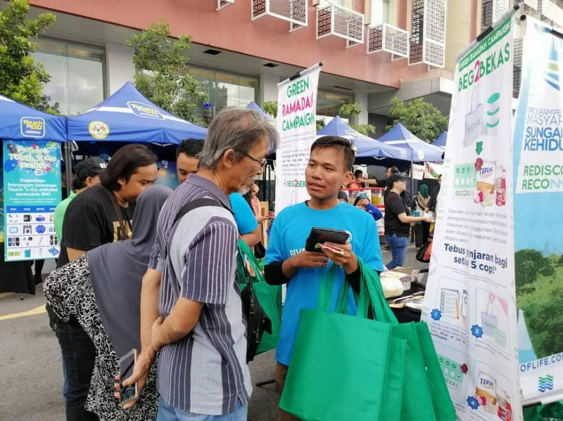 EcoKnights Green Ramadan Campaign Distributed 2,500 Reusable Bags to Protect the Rivers