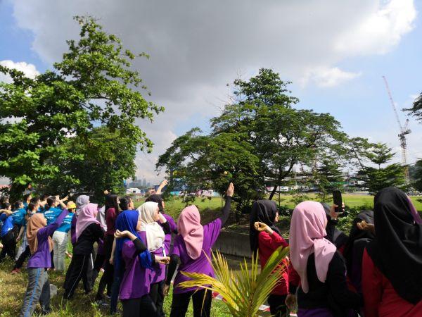 Vanke Holdings (M) Sdn Bhd Tree Planting Initiative at Surau Al-Falahiah 1 Razak Mansion