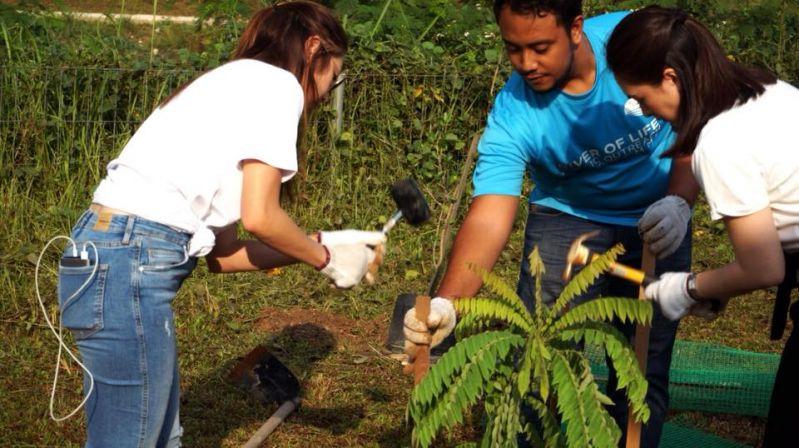 Bunus River Tree Planting Session with Vanke Holdings (M) Sdn Bhd Volunteers