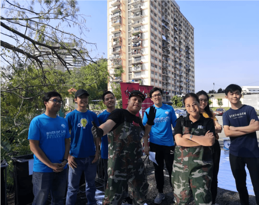 Off the Air and into the River: HOT FM DJs with ROL Ambassador Maya Karin Joined by UCSI Students Spend the Morning with a Log Boom Clean-up at Sungai Gombak